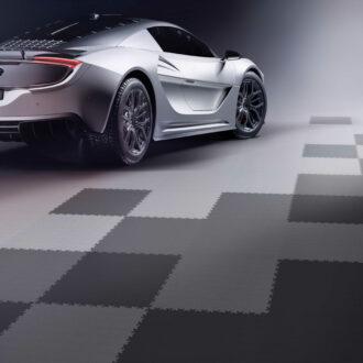 Sie suchen einen passenden Garagenboden für ein Tuning-Auto?